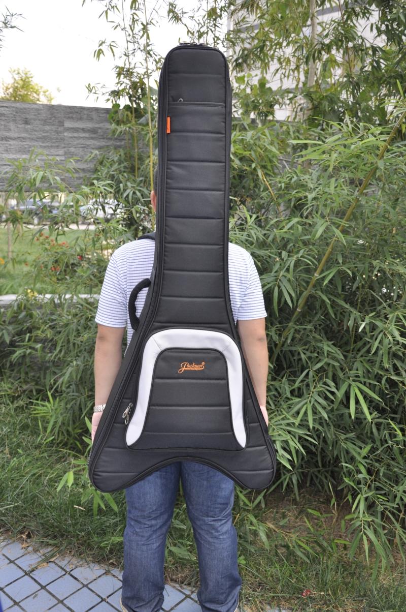 国内某当红摇滚乐队电吉他手的定制款异形电吉他包